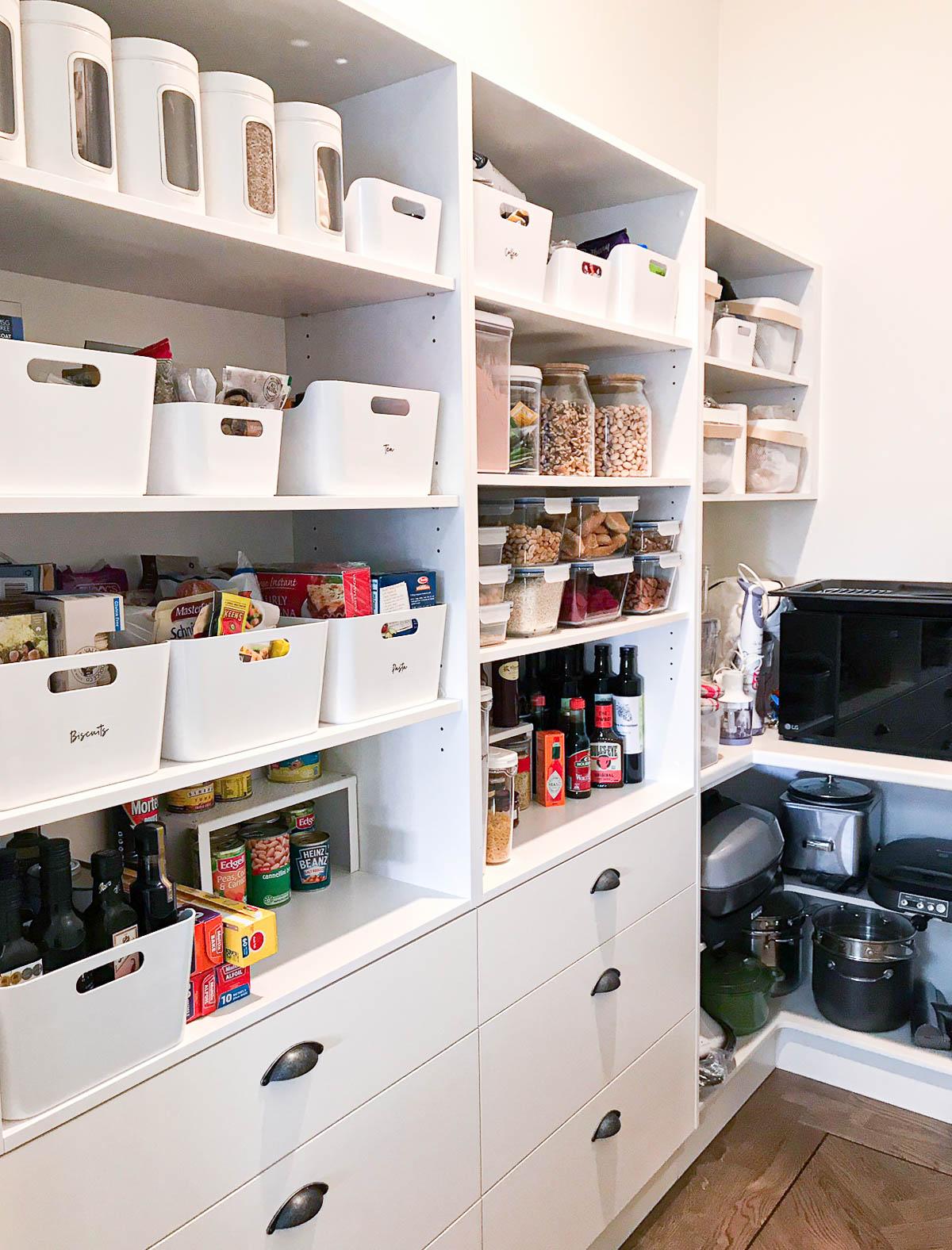 sarah-shanahan-website-kitchen-before.jpg